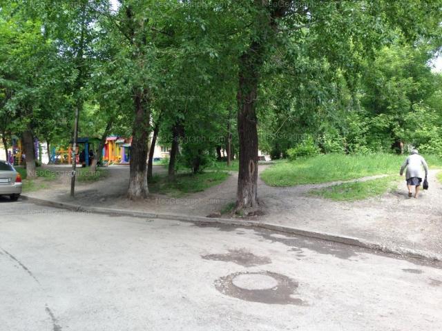 Адрес(а) на фотографии: улица 40-летия Октября, 4, Екатеринбург