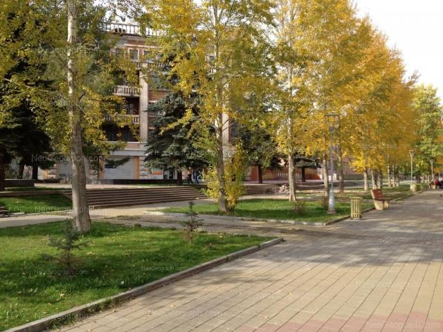 Адрес(а) на фотографии: бульвар Культуры, 1, 3, Екатеринбург