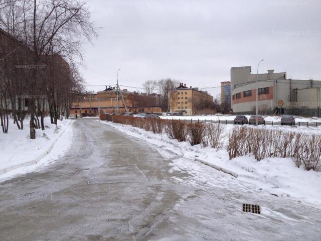 Адрес(а) на фотографии: улица Колмогорова, 62б, 66, 68, 70, Екатеринбург