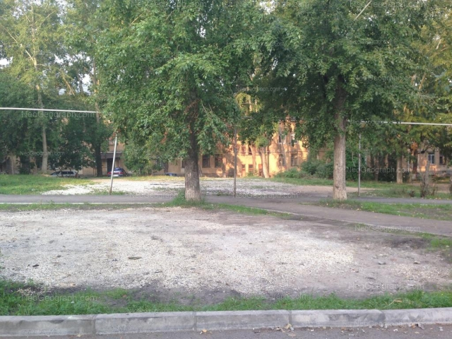 Адрес(а) на фотографии: улица Старых Большевиков, 16, 18, Екатеринбург