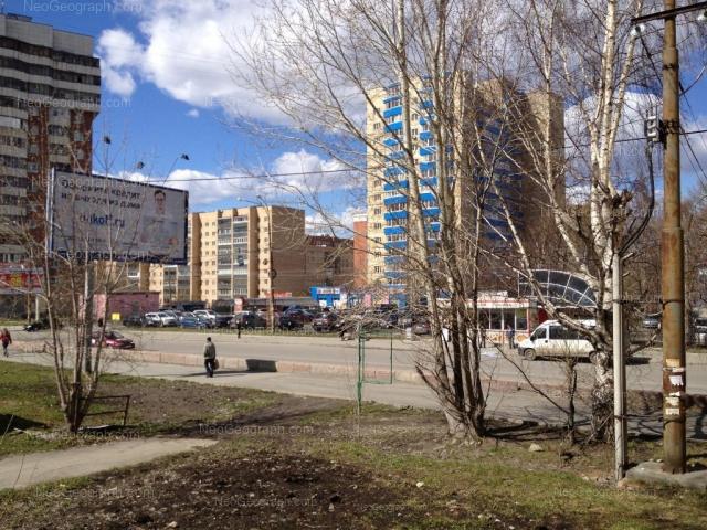 Адрес(а) на фотографии: Боровая улица, 22, 24, Екатеринбург