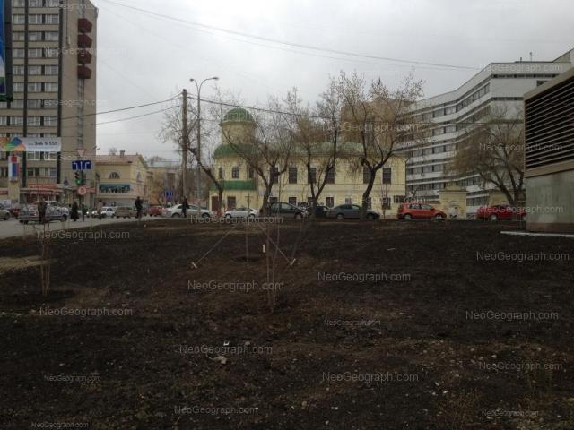 Адрес(а) на фотографии: улица Декабристов, 56, 83, Екатеринбург