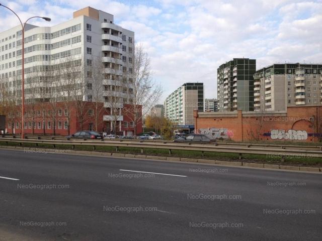 Address(es) on photo: Krestinskogo street, 49 к1, 50, Yekaterinburg