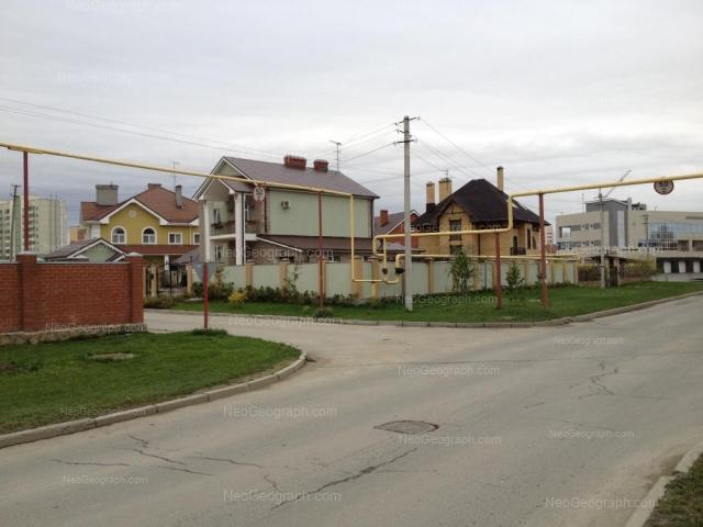 Адрес(а) на фотографии: улица Барвинка, 11, 21, Екатеринбург