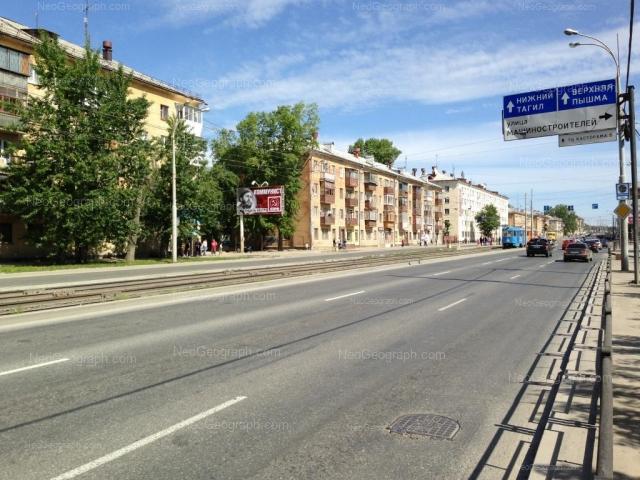 Адрес(а) на фотографии: Донбасская улица, 33А, 35, 37, 39, Екатеринбург