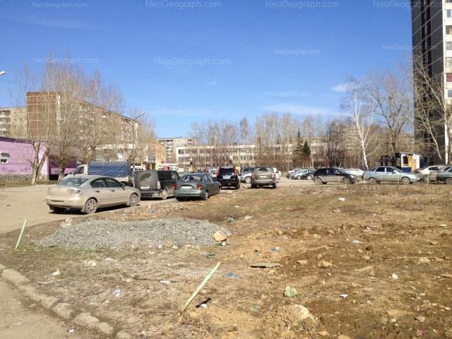 Адрес(а) на фотографии: улица Пехотинцев, 13, 15, 18, Екатеринбург