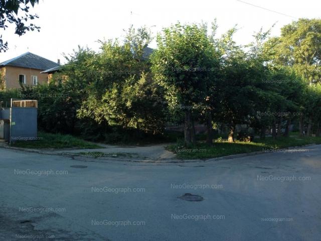 Адрес(а) на фотографии: улица Ползунова, 1А, 1Б, Екатеринбург