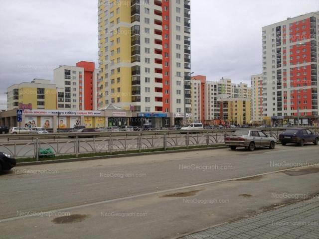 Адрес(а) на фотографии: улица Краснолесья, 109, 109А, 111, 113, Екатеринбург