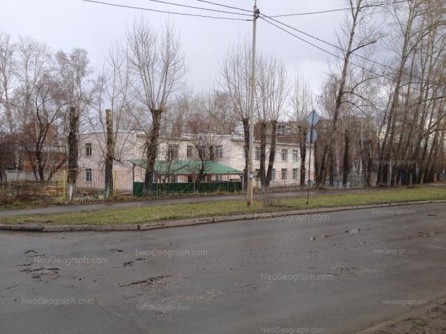 Адрес(а) на фотографии: улица Миномётчиков, 30, 32, Екатеринбург