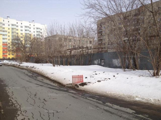 Адрес(а) на фотографии: улица Пионеров, 2, 4, Екатеринбург