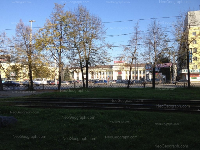 Адрес(а) на фотографии: улица Челюскинцев, 27, 29, Екатеринбург