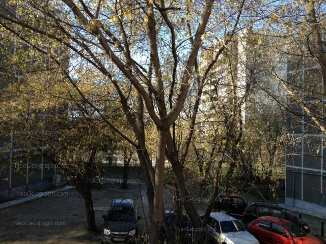 Адрес(а) на фотографии: улица Пальмиро Тольятти, 15В, 15Г, Екатеринбург