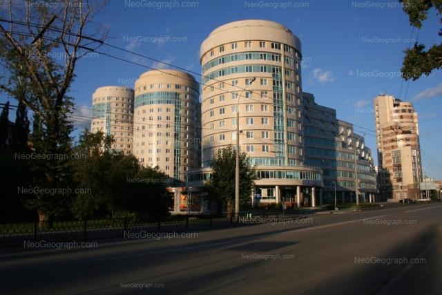 Адрес(а) на фотографии: улица Николая Никонова, 4, 6, 8, 10, Екатеринбург