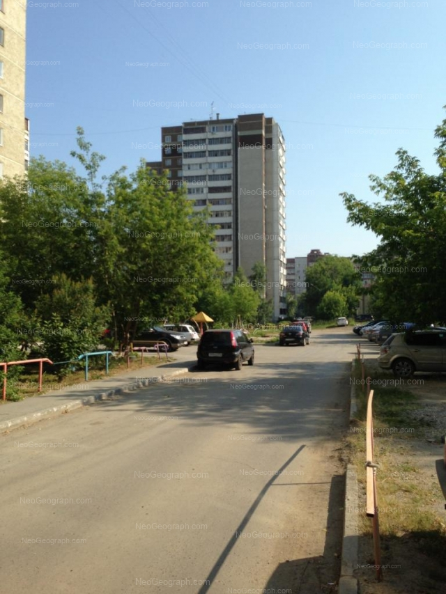 Адрес(а) на фотографии: улица Уральских Рабочих, 4, 15, Екатеринбург