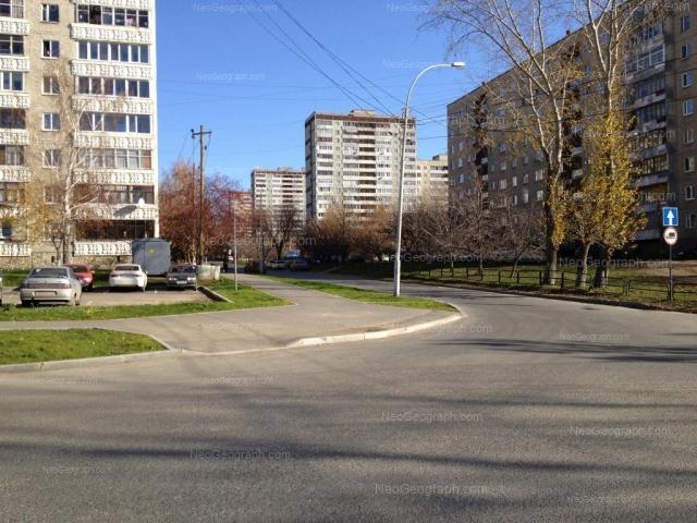 Адрес(а) на фотографии: улица Большакова, 13, 17, 21, 22 к1, Екатеринбург