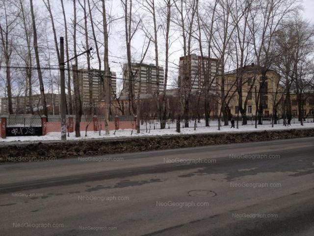 Адрес(а) на фотографии: Расточная улица, 12, 13, 17/1, Екатеринбург