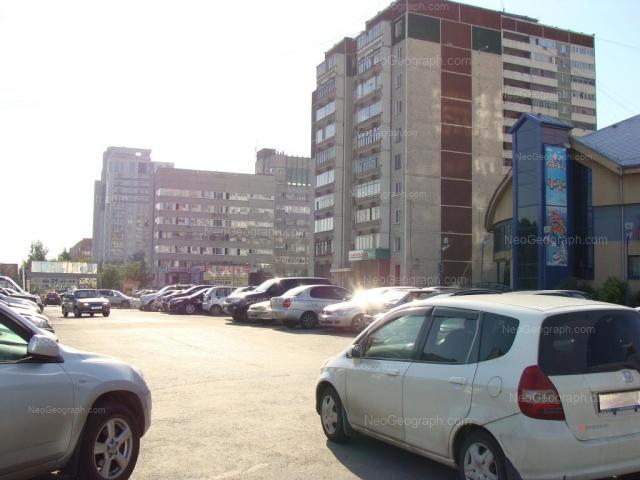 Адрес(а) на фотографии: улица Фурманова, 107, 113, 117, Екатеринбург