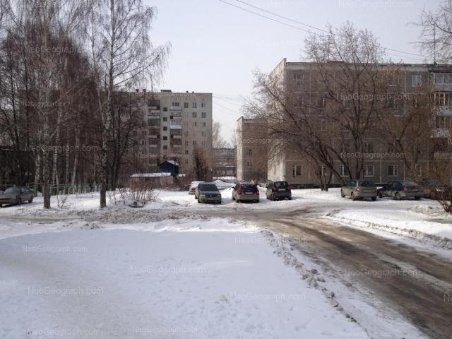 Адрес(а) на фотографии: улица Пионеров, 6, 8, Екатеринбург