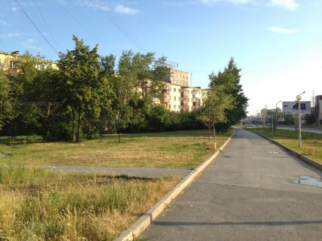 Адрес(а) на фотографии: проспект Космонавтов, 27, 27А, Екатеринбург
