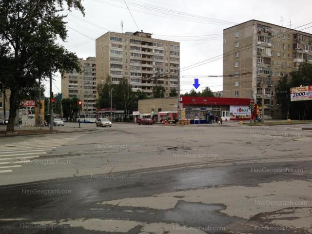 Адрес(а) на фотографии: улица Бакинских Комиссаров, 100, 102, Екатеринбург