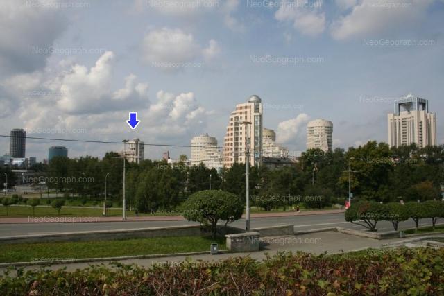 View from the Voznesenskaya hill: elite skyscrapers: De\'Gennin and buildings on the Nikonova Street