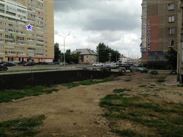 Адрес(а) на фотографии: улица Бакинских Комиссаров, 100, 113, Екатеринбург
