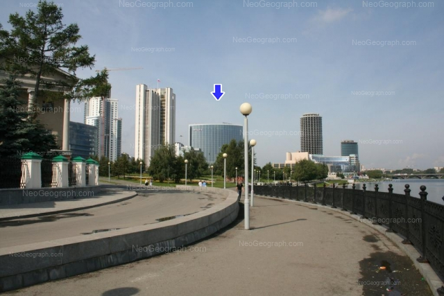 The view to the Yekaterinburg-city from the City Pond embankment. You can see the Hotel Hyatt Regency, the Drama Theater and the Government of Sverdlovsk region in the distance