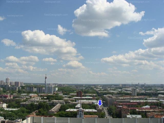 Адрес(а) на фотографии: Первомайская улица, 27, 33, 35, 42, Екатеринбург