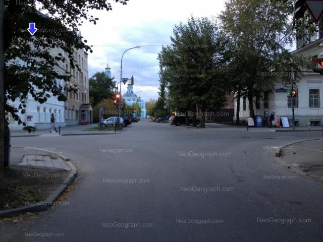 Адрес(а) на фотографии: Первомайская улица, 11, 13, Екатеринбург