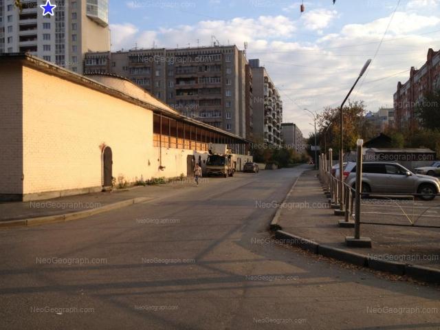 Адрес(а) на фотографии: улица Фролова, 19/1, 21, 23, 25, Екатеринбург