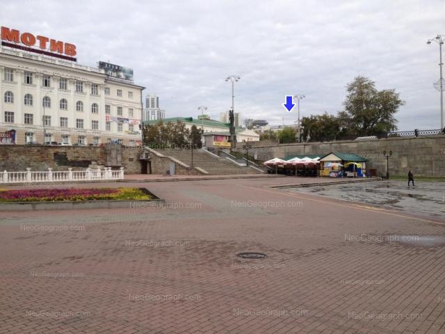 Адрес(а) на фотографии: улица 8 Марта, 7, Екатеринбург