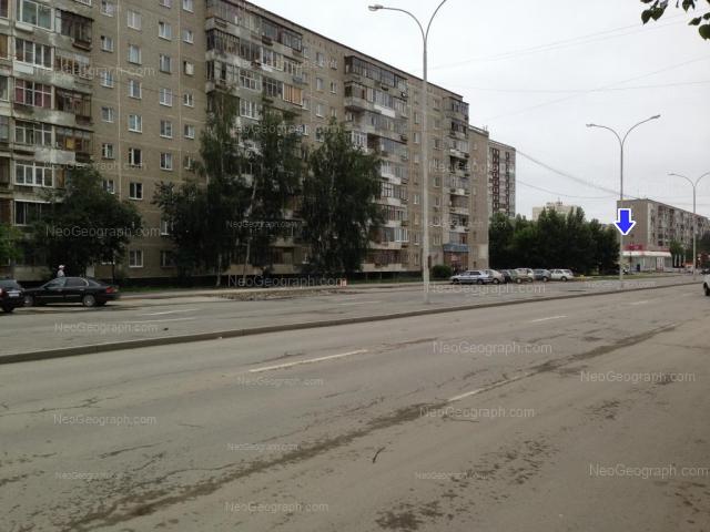 Адрес(а) на фотографии: улица Бакинских Комиссаров, 64, 68, 100, Екатеринбург