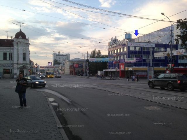 Адрес(а) на фотографии: улица 8 Марта, 33, 37, Екатеринбург
