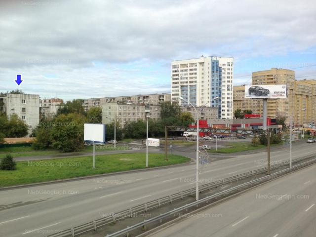 Адрес(а) на фотографии: улица Токарей, 52, 54 к1, 56 к1, Екатеринбург