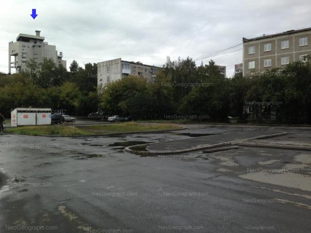 Адрес(а) на фотографии: улица Токарей, 54 к1, 56 к1, 68, Екатеринбург