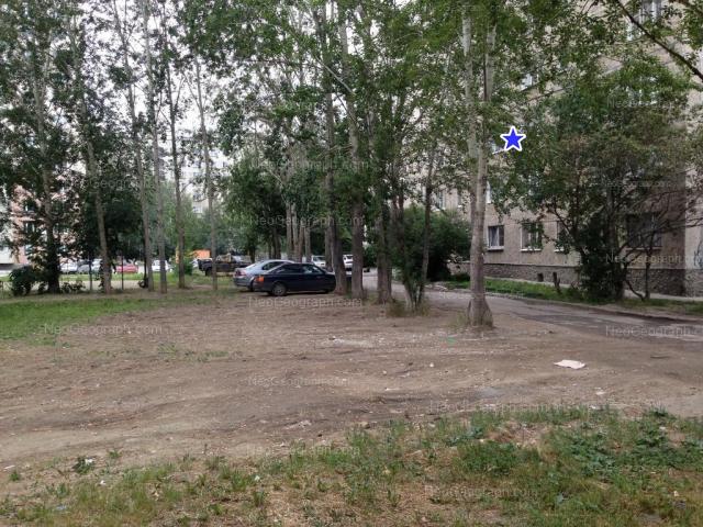 Адрес(а) на фотографии: улица Бакинских Комиссаров, 58, 60, Екатеринбург