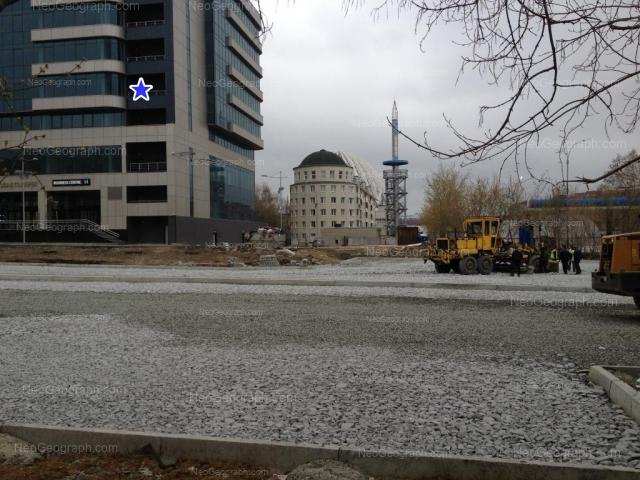 Адрес(а) на фотографии: улица 8 Марта, 45а, 51, Екатеринбург