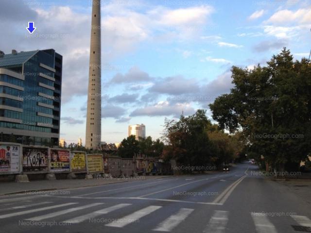 Адрес(а) на фотографии: улица 8 Марта, 51, Екатеринбург