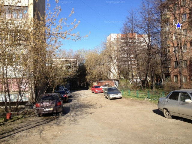 Адрес(а) на фотографии: Московская улица, 76, 78, 80А, Екатеринбург