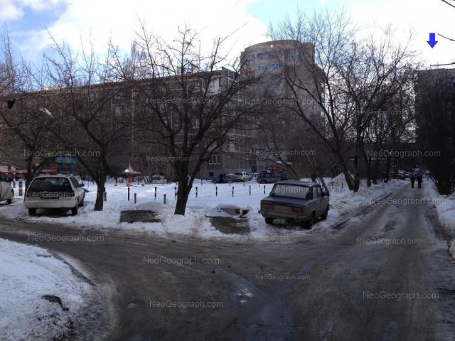 Адрес(а) на фотографии: улица Шаумяна, 98/1, 102, 102А, Екатеринбург
