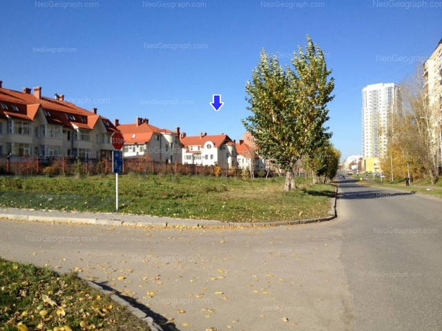 Адрес(а) на фотографии: улица Луначарского, 221, 240/1, 240/2, 240/3, 240/4, Екатеринбург