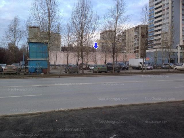 Адрес(а) на фотографии: улица Ткачей, 10, Екатеринбург