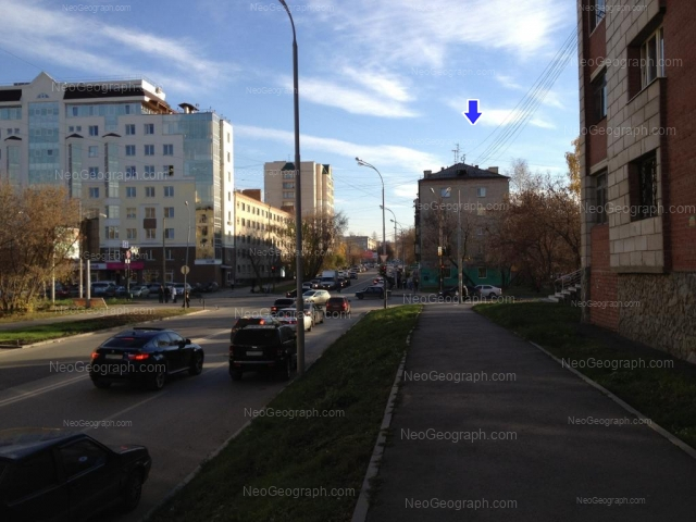 Адрес(а) на фотографии: улица Большакова, 75, 79, 81, Екатеринбург