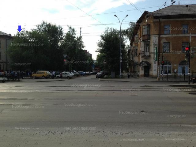 Адрес(а) на фотографии: улица Бакинских Комиссаров, 48, 50, Екатеринбург