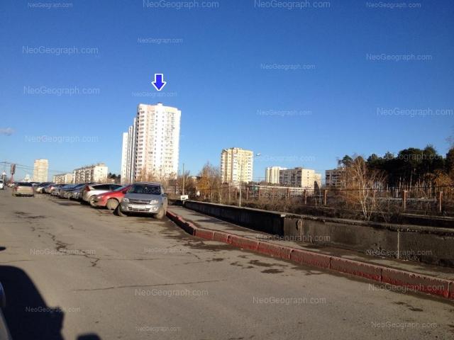 Адрес(а) на фотографии: улица Серафимы Дерябиной, 33, 37, Екатеринбург