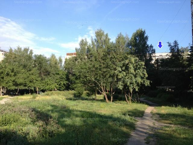 Адрес(а) на фотографии: улица Серафимы Дерябиной, 45, 47, Екатеринбург