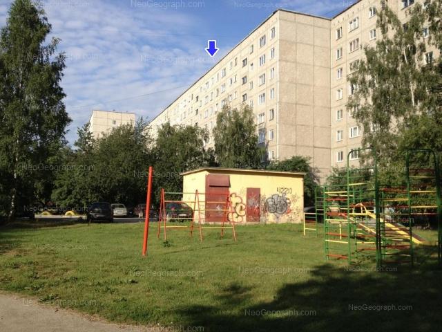 Адрес(а) на фотографии: улица Серафимы Дерябиной, 51, 51А, 55/1, Екатеринбург