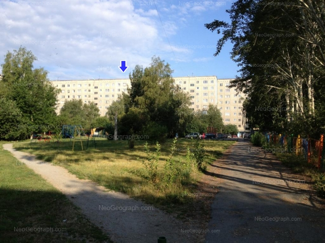 Адрес(а) на фотографии: улица Серафимы Дерябиной, 51, 51А, Екатеринбург