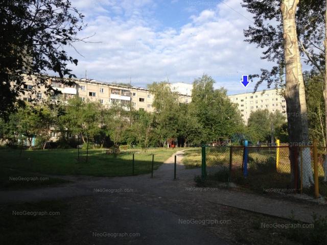 Адрес(а) на фотографии: улица Серафимы Дерябиной, 49/3, 51, Екатеринбург