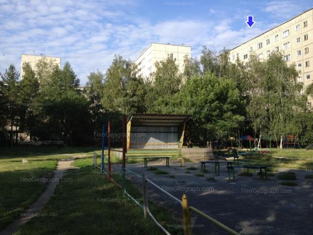 Адрес(а) на фотографии: улица Серафимы Дерябиной, 51, 55/1, 55/2, Екатеринбург